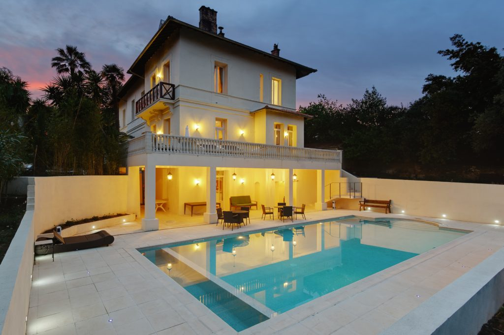 Cannes Villa Mystique pool dusk shot 1